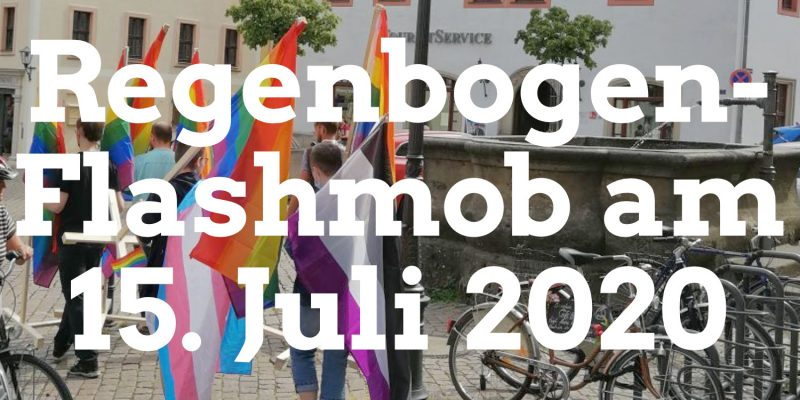"""Unser Regenbogen """"Flashmob"""" bestand daraus, die Pirnaer Altstadt mit Flaggen der LGBTQIA+ Community zu pflastern. Das hat ganz gut funktioniert, trotz der kurzen Vorlaufzeit."""